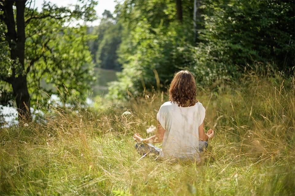 Stress bewältigen mit Achtsamkeit & Meditation